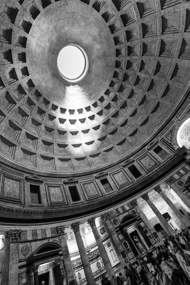 italy-rome-pantheon-1-7-HDR-Edit