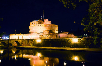 Castel Sant'Angelo and the Tiber river.