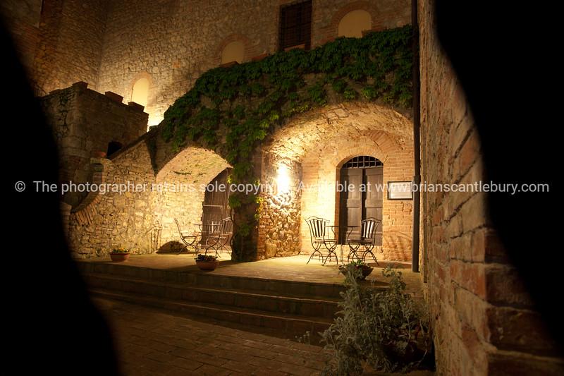 Courtyard, Castel Petraio. Italian images.