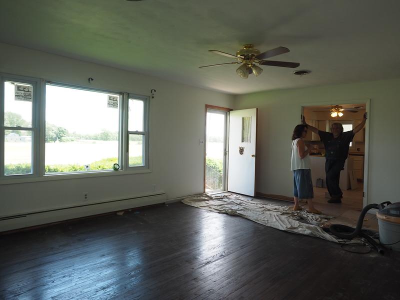 Living room & Randy