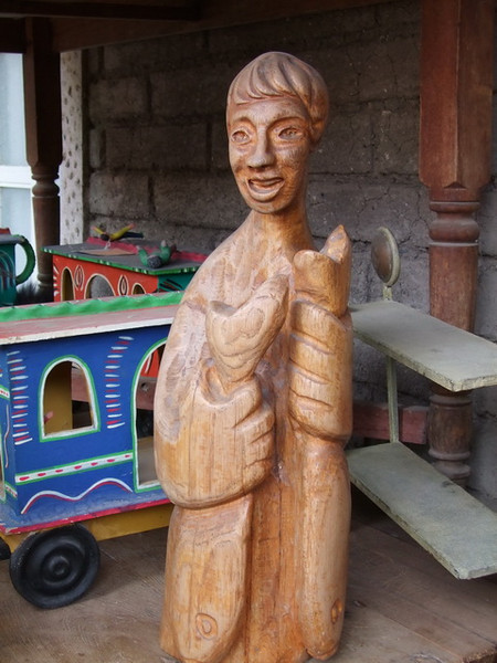 Love this old carving of a fisherman holding 2 big fish - but alas, it is still at Tom's too