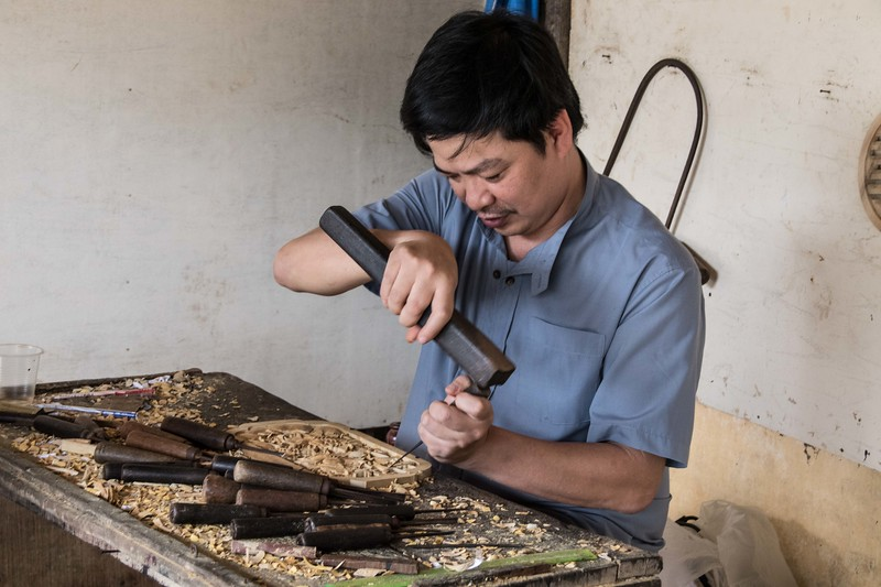 Carving wood art, Hoi An