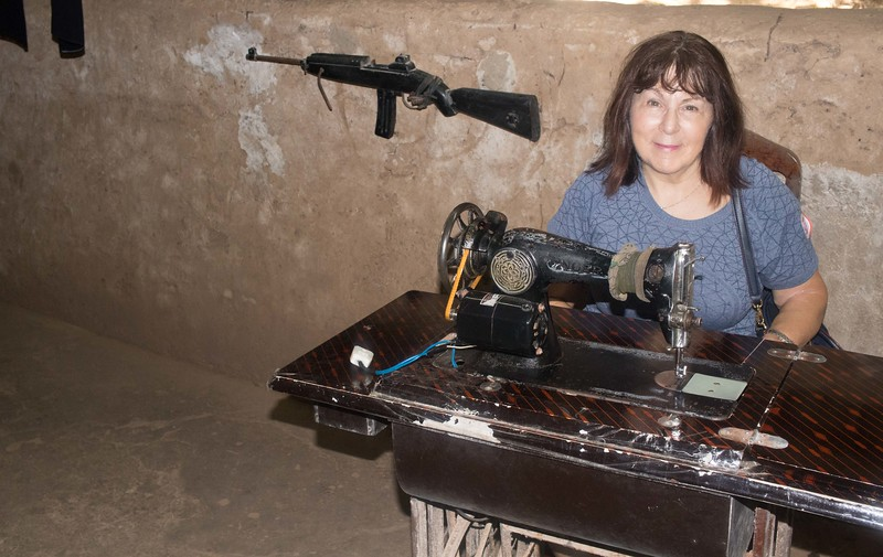 Tunnel sewing table. Don't mess with sewer!