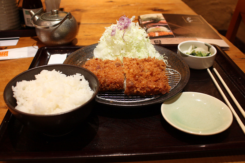 Tonkatsu at restaurant Waki in the building next to the ANA Intercontinental Tokyo (high end food court) - a delicious meal for about 1300 Japanese Yen.