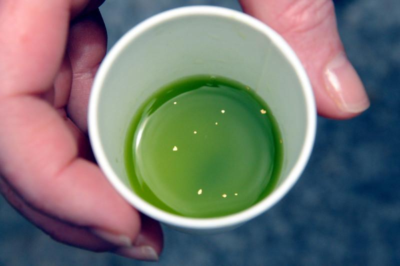 Green tea with real gold flecks