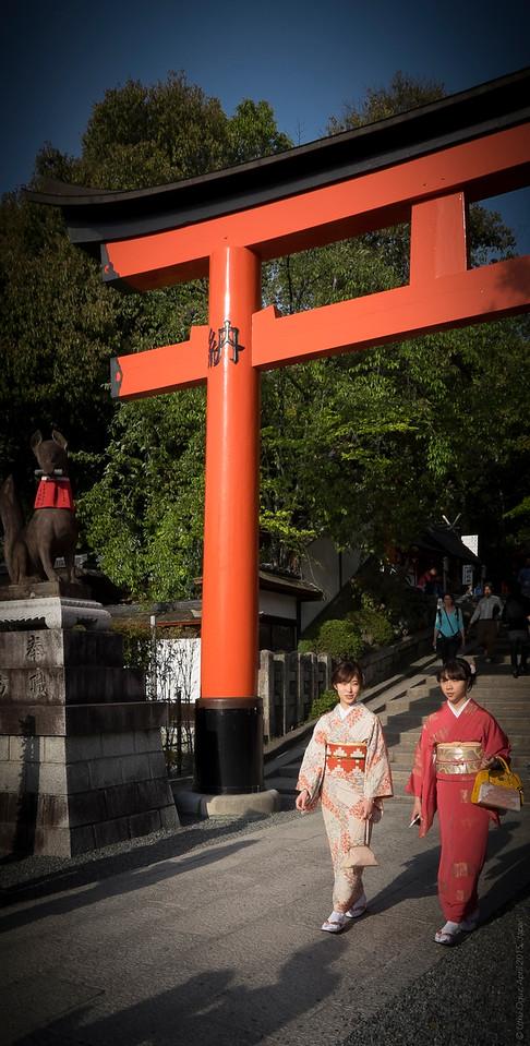 Kimono Ladies in Kiyomizu Temple, Kyoto