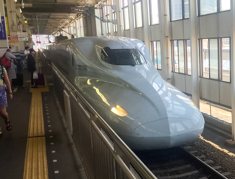 Bullet trains look amazing!