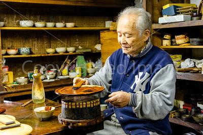 Lacquerware craftsman