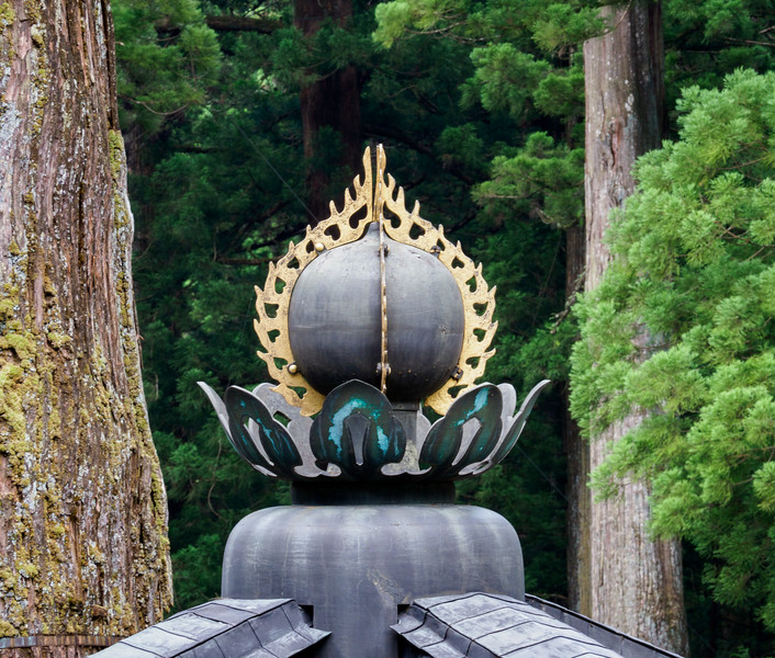 Crown on roof of Sacred Hoto Tower at Toshogu Shrine
