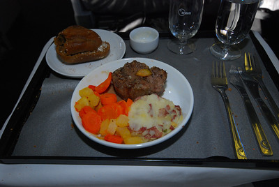 You get a choice of entrees...this is the beef tenderloin with potatoes and vegetable. Other choices included chicken, fish, or a Japanese dinner in a Bento box.