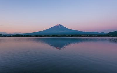 Lake Kawaguchi Dawn at Mt Fuji