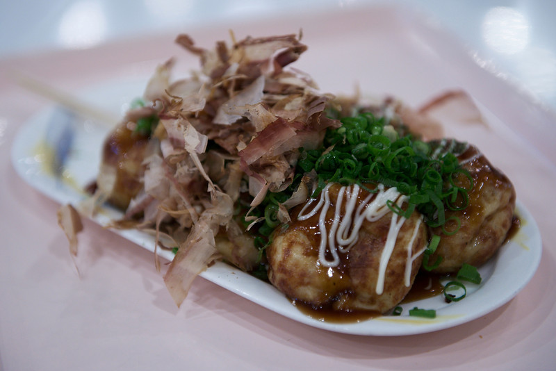 First meal in Japan - Fast food - Octopus balls