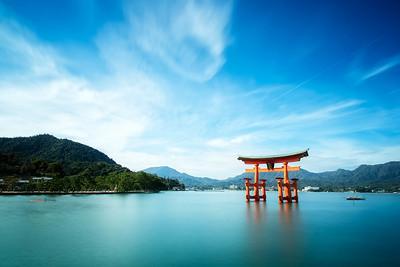 Itsukushima Shinto Shrine Torii (Miyajima, Japan)
