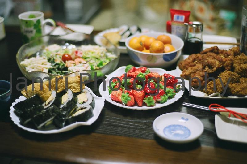 New Eve Years Food, Nagaokakyo, Kyoto-fu, Japan<br /> Date Taken: 31/12/2008<br /> Equipment/Film Used: Nikon F80, Nikkor 50 f/1.8D lens, Fujicolour PRO400 (PN400N)