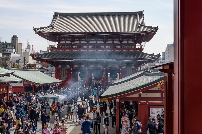 Bustling scene || Senso-ji