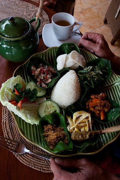Indonesian rice table