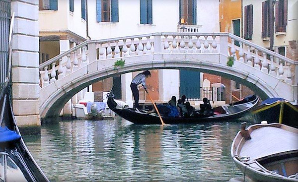 Joe And Nina Celebrate Their One Year Wedding Anniversary In Venice Italy!