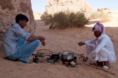 Wadi Rum: Traditional Bedouin lunch of Fried Onions, Can of Beans plus Can of Corned Beef