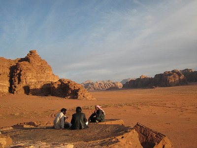 The guides having a chat while waiting for sun set.