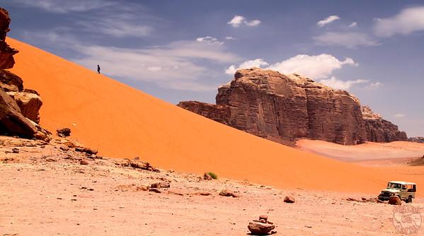 Wadi Rum, Jordan: sand dunes 2