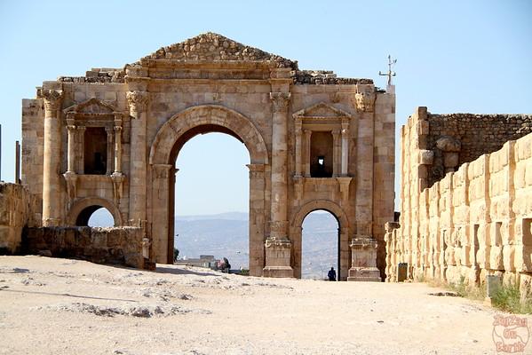 hadrianus arch, Jerash, Jordan