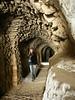 Ozellikle koridorlar ve tunellerde mukemmel tas isciligi kendini gosteriyor.