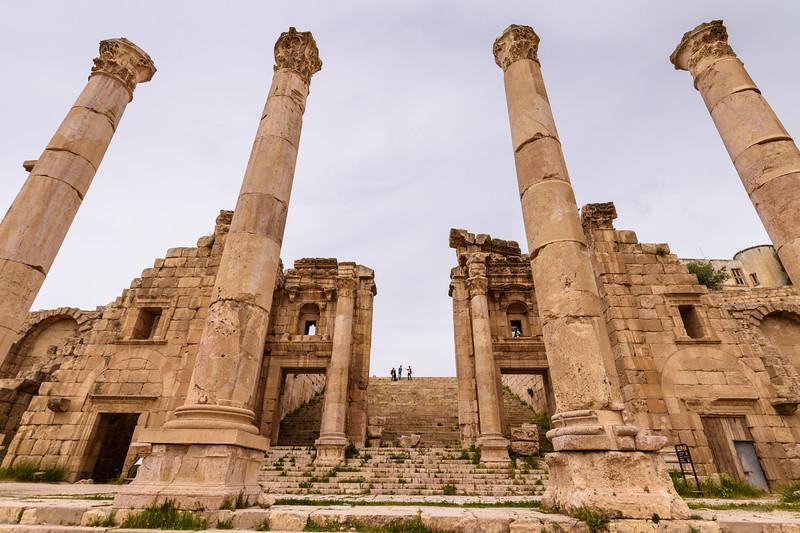 Jerash pillars