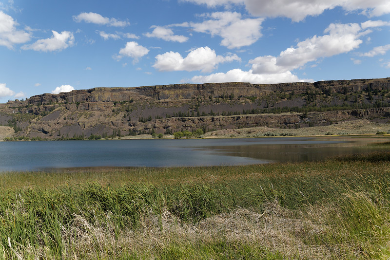 Rock cliff near Grand Coulee