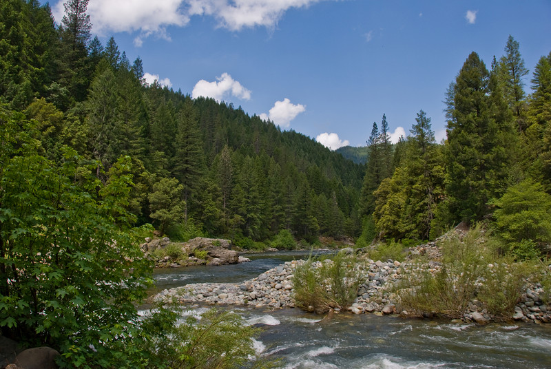 Beginning of the North Yuba River Bike Trail from Downieville to Indian Valley.