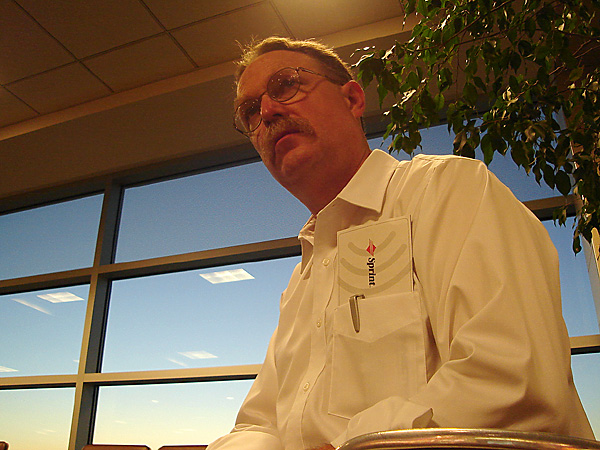 Playing with the new digicam  (a Sony Cybershot  S40 -  my tentative, low-budget first step into digital) while waiting for my 6 AM flight out of Madison.