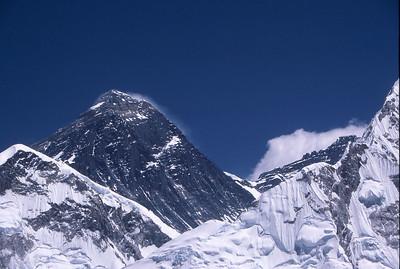 Everest (left) and Lhotse, from Kala Patar