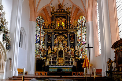The 59-foot high altar of St. Michaels was designed by the German sculptor Hans Waldburger (1570 - 1630).