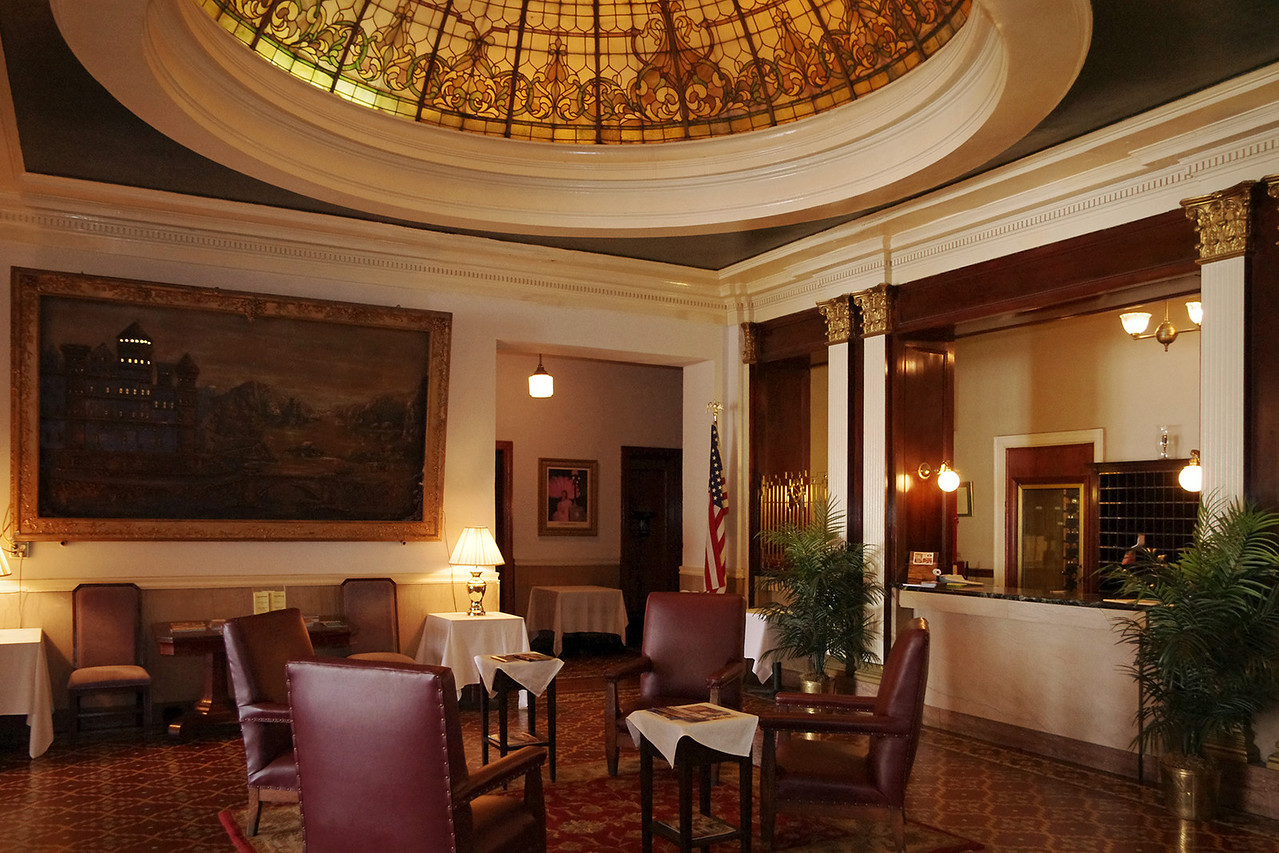 Lobby, Hotel Savoy, Kansas City, Missouri.