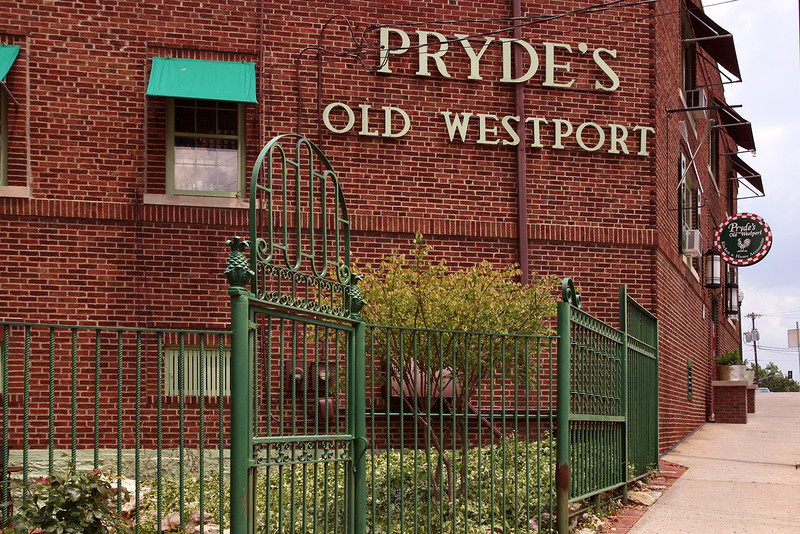 Exterior, Pryde's - a retailer specializing in kitchen and home decor items. Old Westport, Kansas City, Missouri.