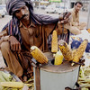 Roasted corn walla, Karachi, Pakistan<br /> scenes of daily life in markets and bazaars in Karachi<br /> (Credit Image: © Chris Kralik/KEYSTONE Press)