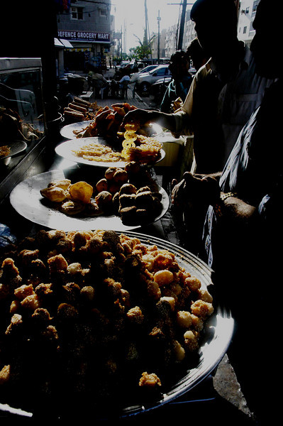 Sweets, glorious sweets, Karachi, Pakistan<br /> scenes of daily life in markets and bazaars in Karachi<br /> (Credit Image: © Chris Kralik/KEYSTONE Press)