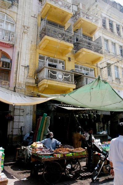 Central market, Karachi, Pakistan<br /> scenes of daily life in markets and bazaars in Karachi<br /> (Credit Image: © Chris Kralik/KEYSTONE Press)