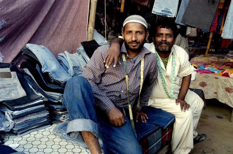 Denim Wallas, Karachi, Pakistan<br /> scenes of daily life in markets and bazaars in Karachi<br /> (Credit Image: © Chris Kralik/KEYSTONE Press)