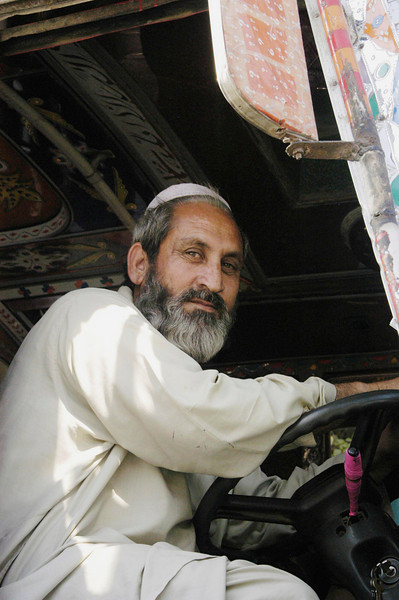 Bus driver, Karachi, Pakistan<br /> scenes of daily life in markets and bazaars in Karachi<br /> (Credit Image: © Chris Kralik/KEYSTONE Press)