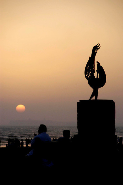 Public art at the beach, Karachi, Pakistan<br /> scenes of daily life in markets and bazaars in Karachi<br /> (Credit Image: © Chris Kralik/KEYSTONE Press)