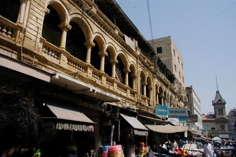 Colonial architecture, Karachi, Pakistan<br /> scenes of daily life in markets and bazaars in Karachi<br /> (Credit Image: © Chris Kralik/KEYSTONE Press)
