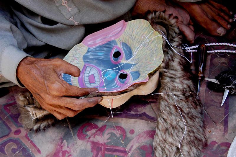 Mask artisan, Karachi, Pakistan<br /> scenes of daily life in markets and bazaars in Karachi<br /> (Credit Image: © Chris Kralik/KEYSTONE Press)