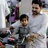 Good passenger, Karachi, Pakistan<br /> scenes of daily life in markets and bazaars in Karachi<br /> (Credit Image: © Chris Kralik/KEYSTONE Press)
