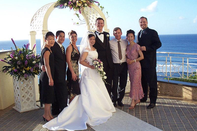 Jessica, Troy, Dawn, Linda, Erick, Joe(me), Helen and Glen after the wedding.
