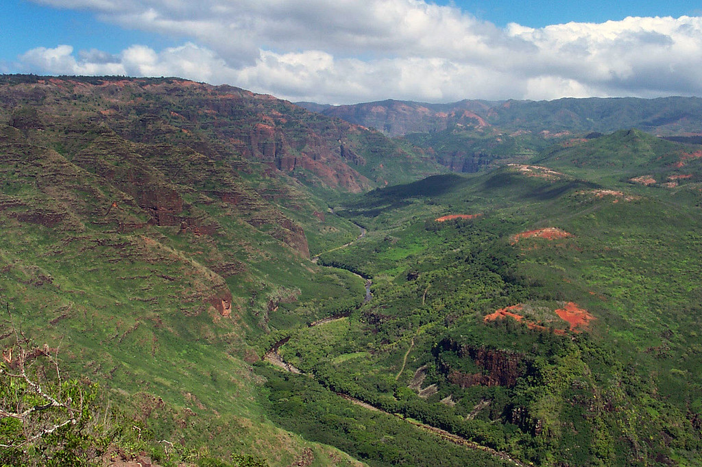 This is our first look into the lower part of Waimea Canyon.
