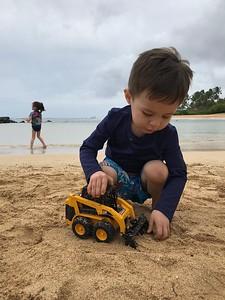 Finn & Malia; Poipu beach