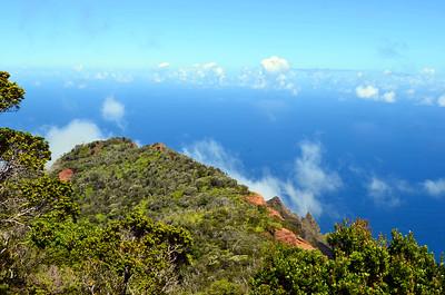 Climb to the Na Pali Cliffs of Kauai