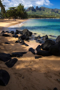Anahula State Beach with Sleeping Giant