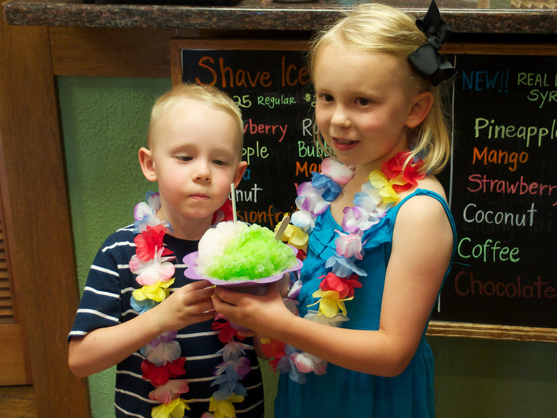 Shave ice at Hee Fat's on drive from airport