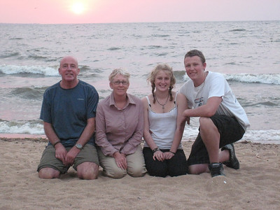 The Falloon clan at Lake Victoria.